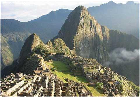 秘鲁印加古城马丘比丘山顶的城堡