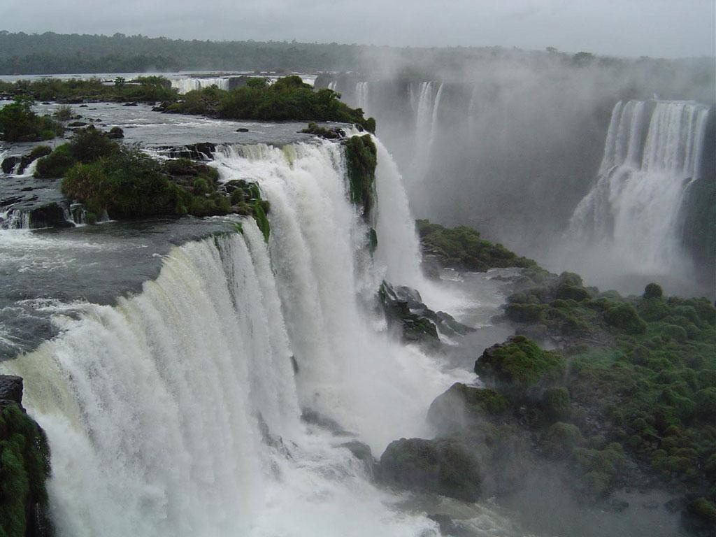 伊瓜苏瀑布 南美伊瓜苏瀑布-谷歌地图观察 谷歌地图观察 导航 谷歌地图观察 奇趣地图 自然景观