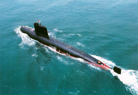 返航中的明级常规潜艇地标
