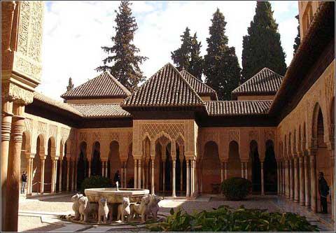 西班牙格兰纳达阿勒罕布拉王宫