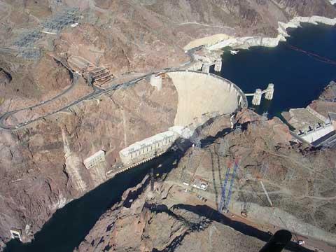 世界闻名的水利工程——胡佛水坝