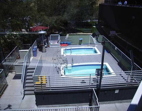 游泳池里面的Google