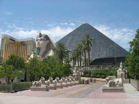 美国拉斯维加斯的金字塔酒店