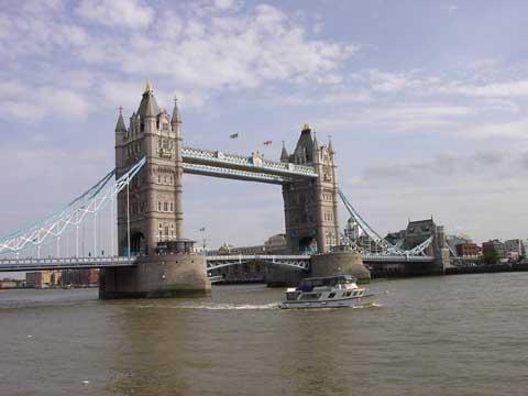 英国伦敦:塔桥
