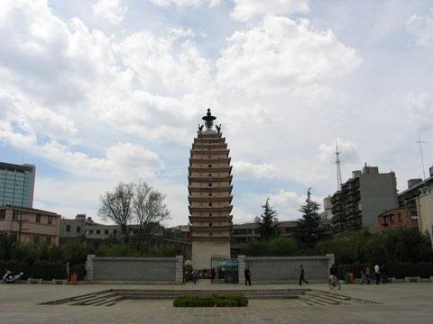 昆明东寺塔