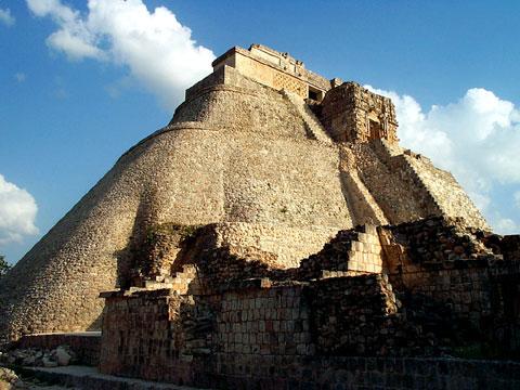 墨西哥乌斯马尔古城遗址
