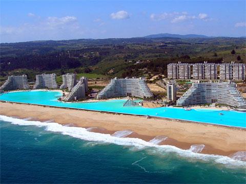 智利世界最大的游泳池
