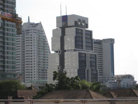泰国亚洲银行大楼:史上最大机器人