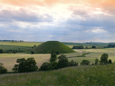 英国威尔特郡西尔布利山(Silbury Hill)