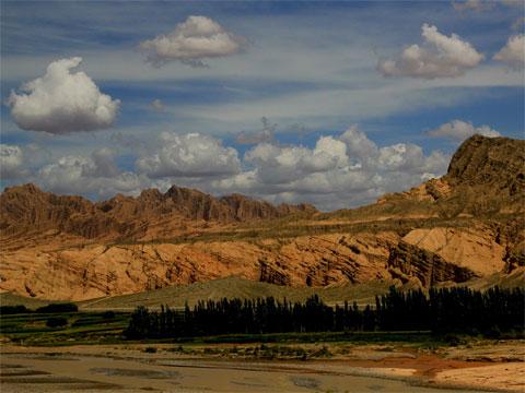 新疆天山库车大峡谷