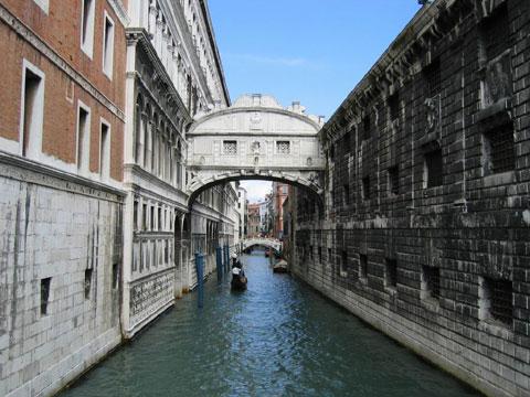 意大利威尼斯:叹息桥