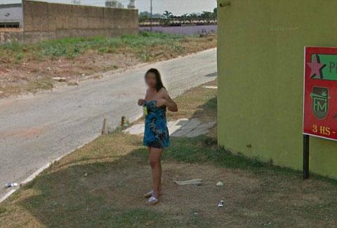 谷歌街景抓拍卖淫女街头揽客交易