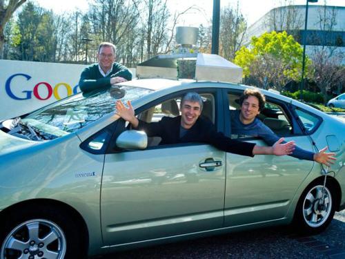 有朝一日,无人驾驶汽车会令我们的道路更加安全.谷歌无人高清图片