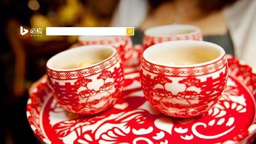 一对来自中国的窗花杯子