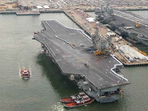 Google Earth曝光美国航空母舰
