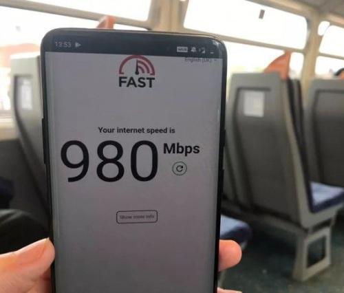 英国�式开通首批5G服务,网速高达980M